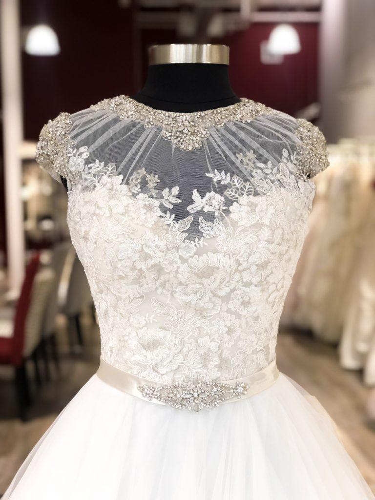 Возврат свадебного платья